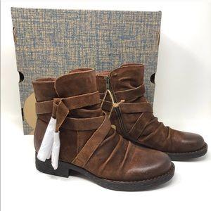 Born ETON Boots